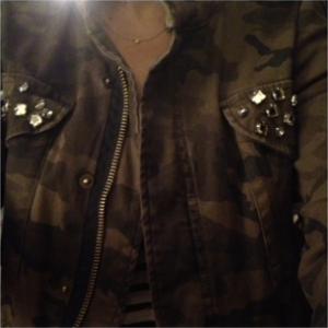 ootd Zara camo jacket
